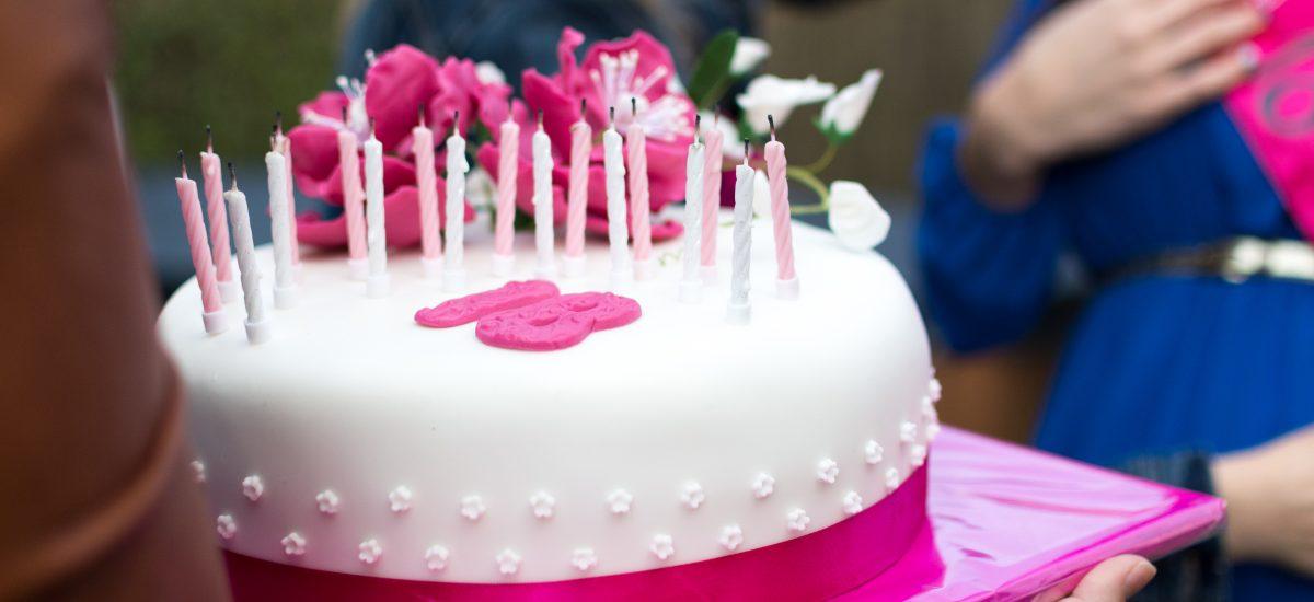 Вместо мастики… Чем можно декорировать торты